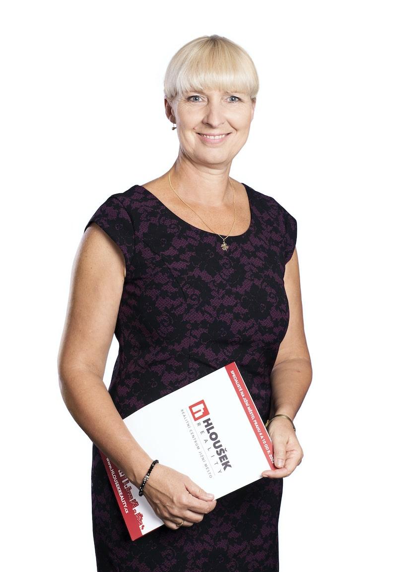 Jana Hloušková - realitní makléř pro Jižní Město, Prahu 4 a 10