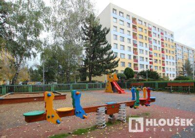 Blízké hřiště - byt 3+kk/L, ul. Křejpského, Praha 4 - Chodov
